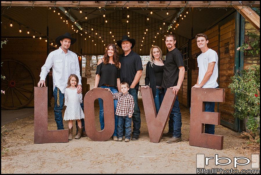 Corona Christmas picture photography | Corona family portrait photography